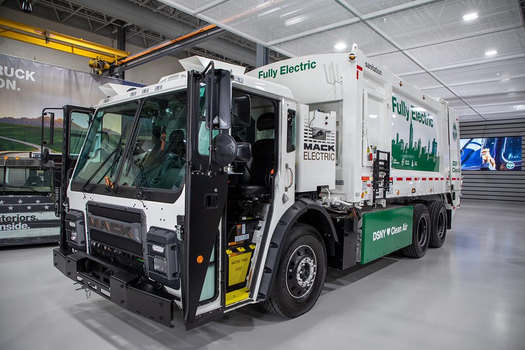 Mack presenta camión recolector completamente eléctrico