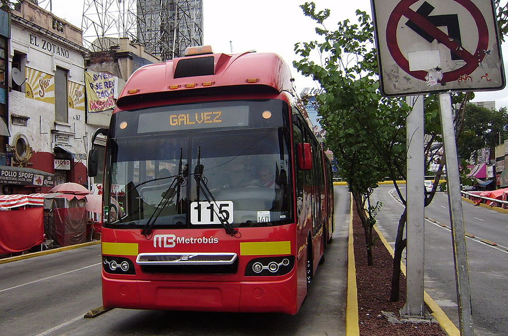 La línea tres de metrobús sustituirá autobuses viejos