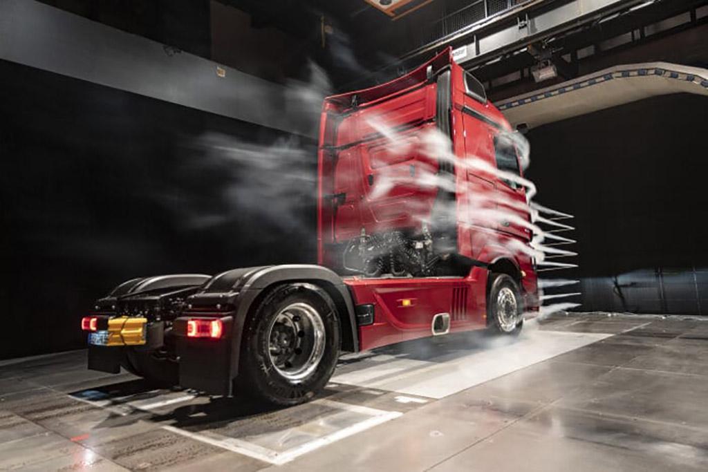 Actros de Mercedes Benz ahorra combustible gracias a diseño