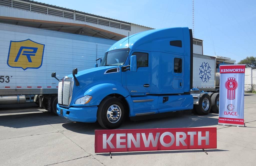 Royal transport recibe t680 de kenworth