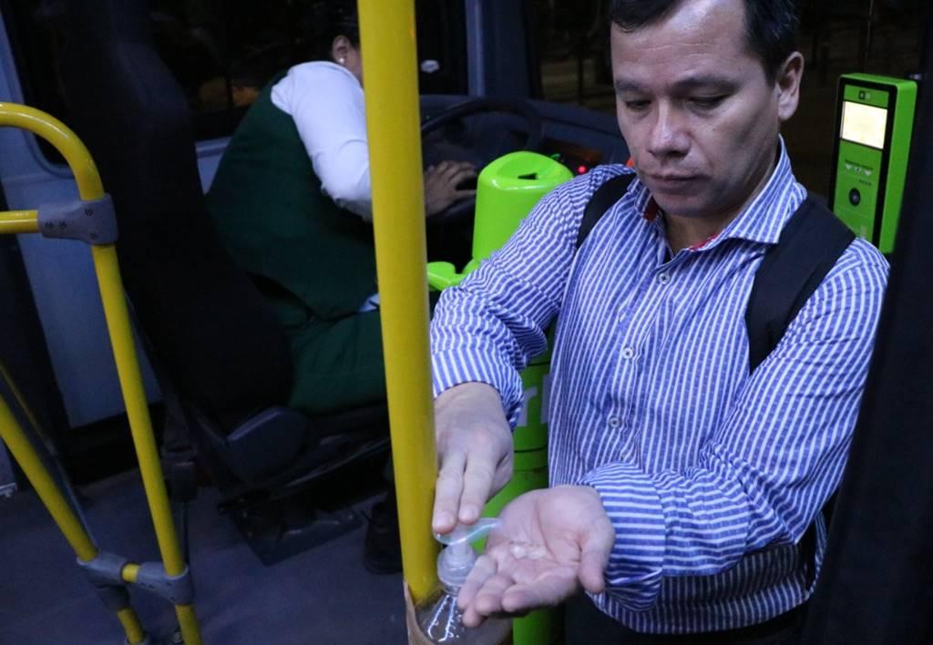 Hay menos gente en transporte público