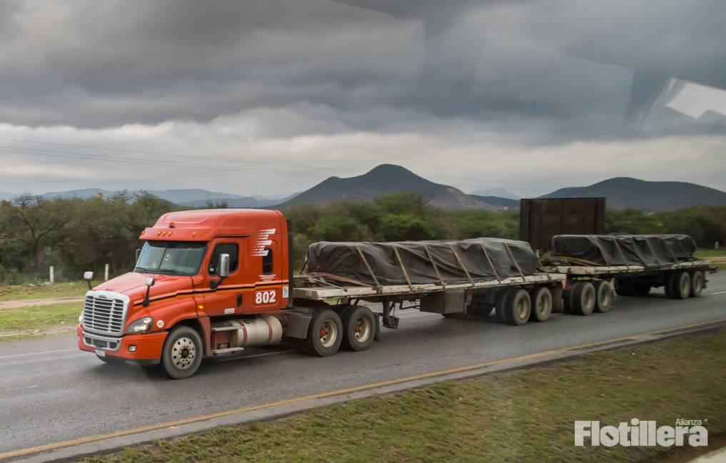 baja venta de camiones clase 8