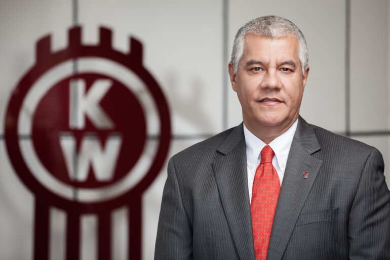 Renato Villalpando Paccar México