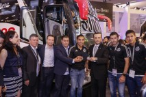 Chivas recibe autobús Mercedes-Benz