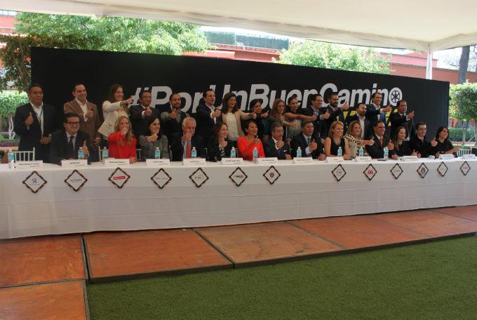 Alianza Editores #PorUnBuenCamino