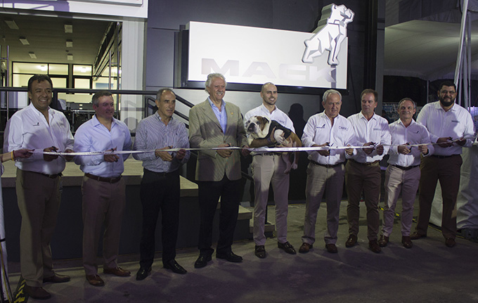 Inauguración Tracsa Mack