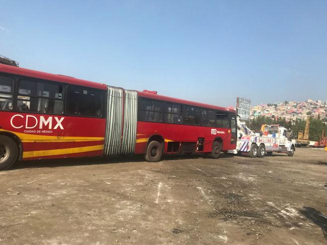 Chatarrizan y modernizan unidades de Metrobús