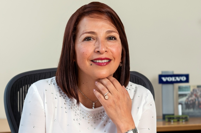 Elena Jurado, primera mexicana al frente de Volvo Trucks México