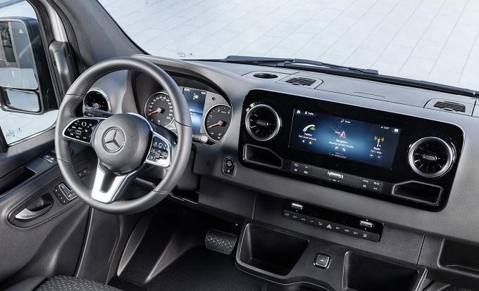 Mercedes-Benz aumenta 12% ventas de vanes
