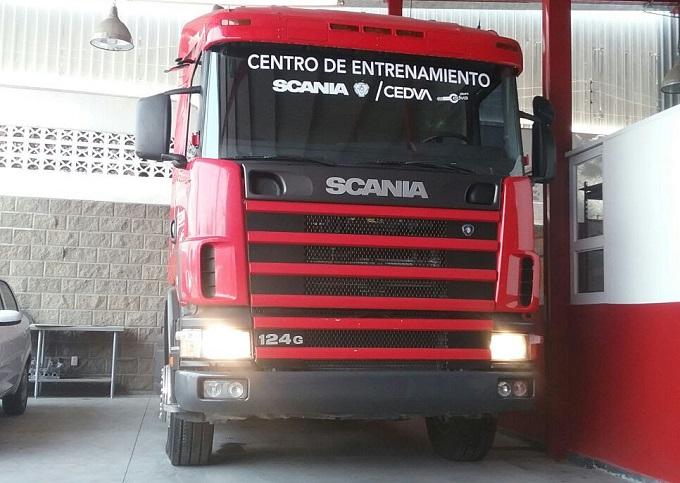 Scania fomenta la profesionalización de estudiantes