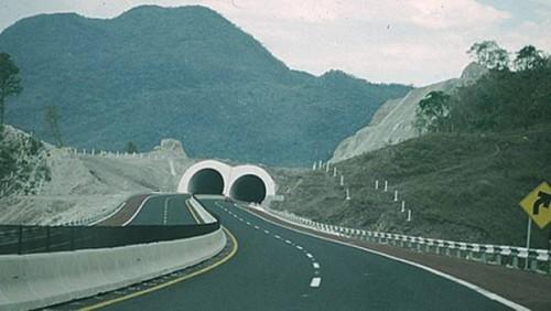Guerreo avanza en la modernización y reconstrucción de caminos