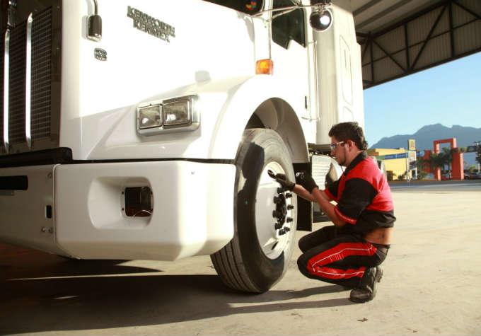 Bridgestone lanza campaña de seguridad vial para transportistas