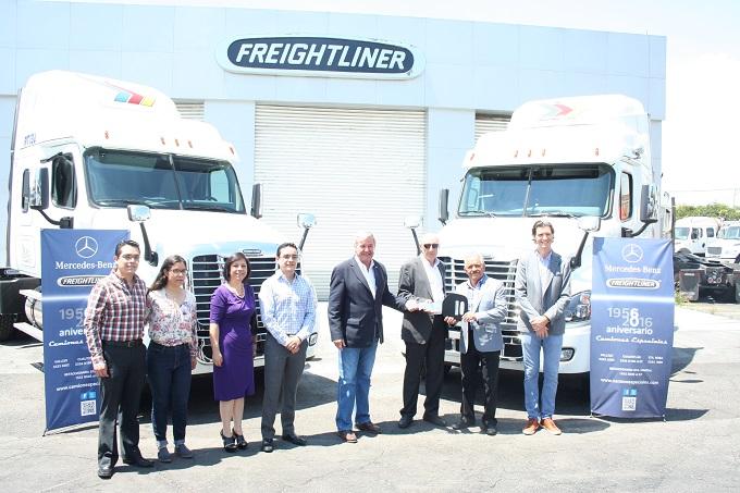 Crece la flota de Acero Transporte con Freightliner