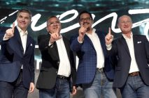 Daimler premia a su red de distribuidores en México