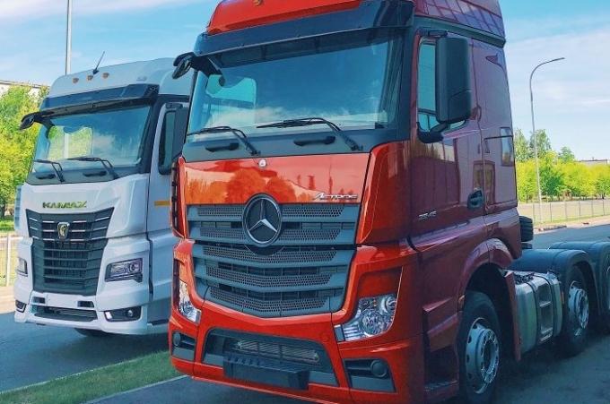 Daimler Trucks abre nueva planta en Rusia