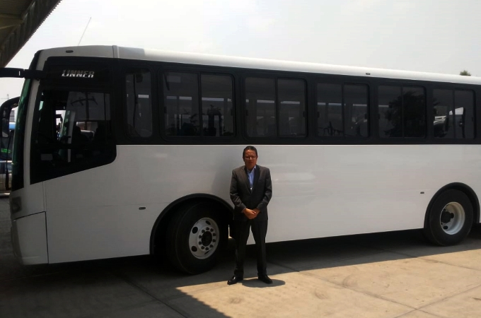 Dina entrega unidades a Autotransportes Cometa de Oro