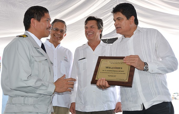 Mazatlán reabre camino al sector autotransporte