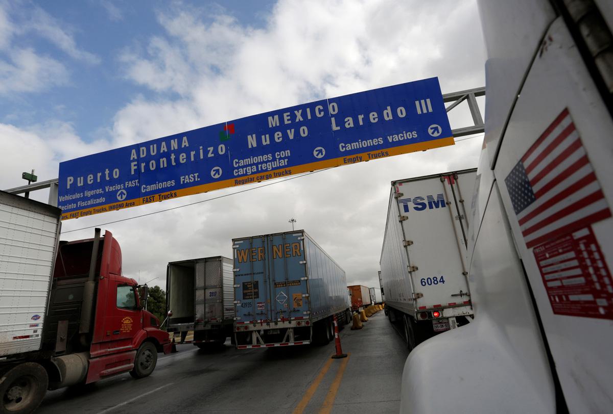 Autotransporte impulsa comercio con Estados Unidos en febrero