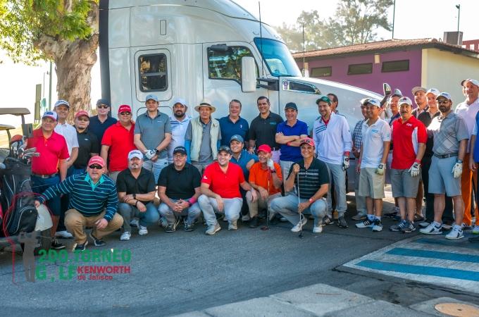 Kenworth Jalisco refuerza lazos con torneo de golf