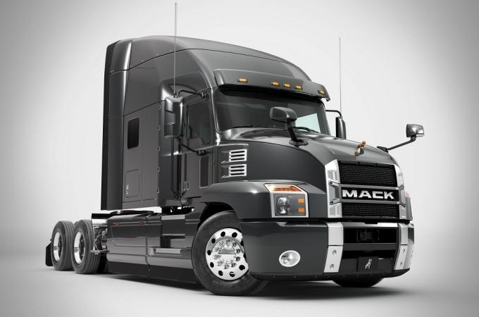 TCM adquiere 6 camiones Anthem de Mack Truck México