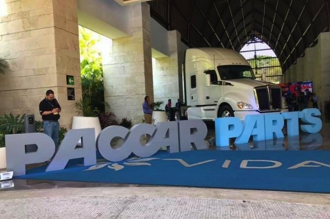 Paccar Parts México reconoce a su red concesionarios y proveedores