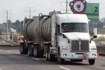 Pipas de AMLO deben garantizar la seguridad vial: Cesvi