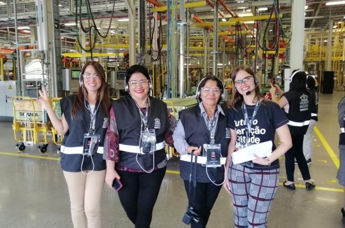 Scania reúne a mujeres influyentes en el autotransporte