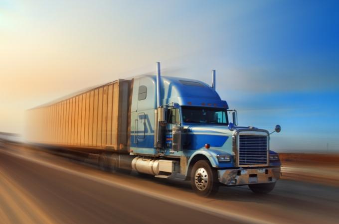 Ganan ventaja medianas y grandes empresas del autotransporte en 1T