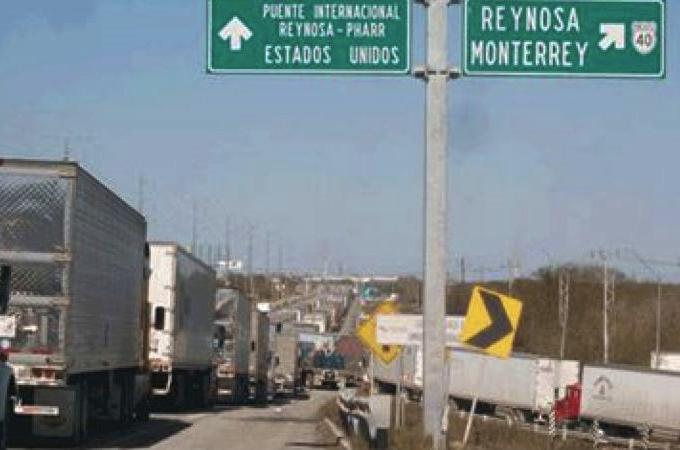 Privilegian transporte fronterizo en puente de Reynosa-Pharr