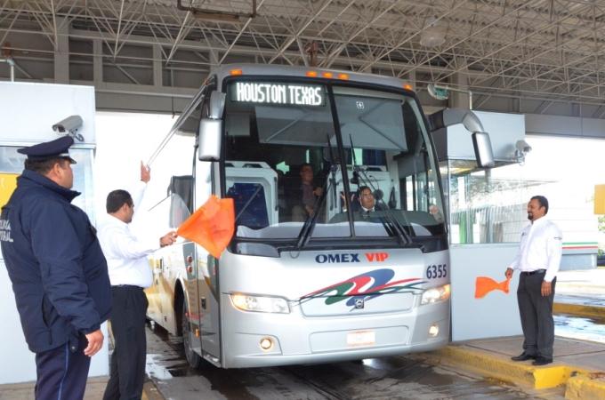 México y Texas trabajan en plan de transporte transfronterizo