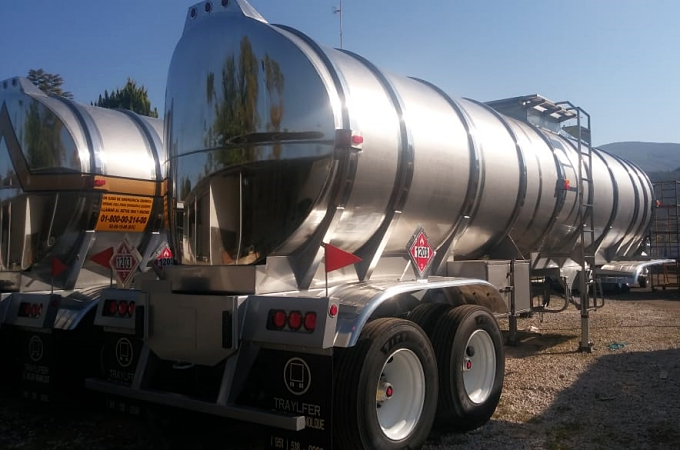 Inicia Traylfer entrega de autotanques al Gobierno Federal