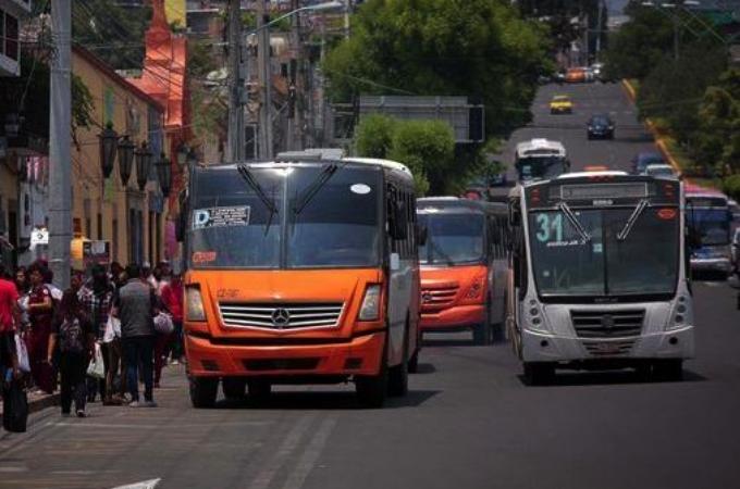 Venta de autobuses suma otro mes a la baja